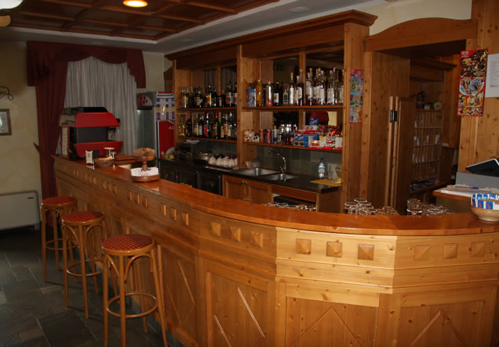 The bar area within the Hotel Alpechiara