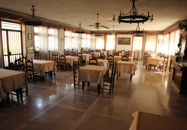 The restaurant area of the Hotel Dujany