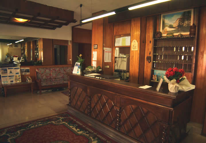 The reception area of the Hotel Dujany