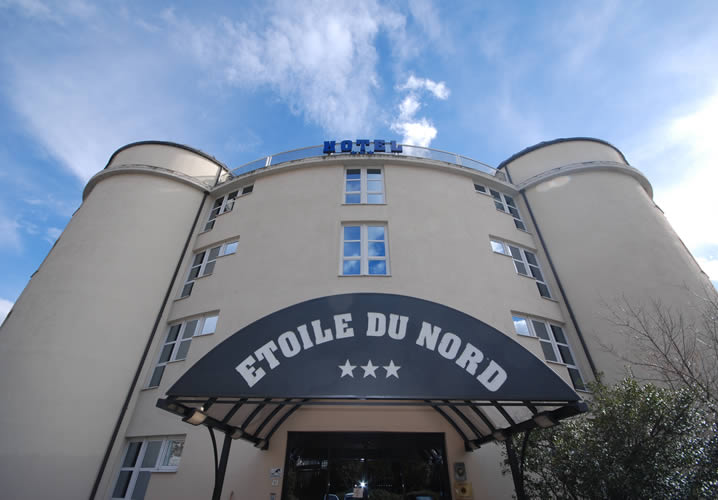 Alternative exterior view of the Hotel Etoile Du Nord