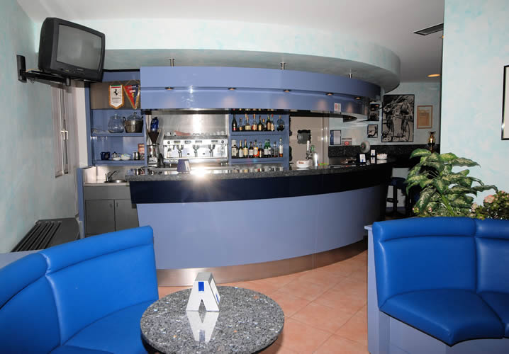 The bar area within the Hotel Etoile Du Nord