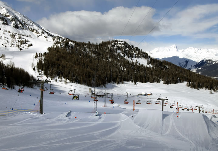 Aosta Pila Ski Resort Information Interski Snowsports Holidays